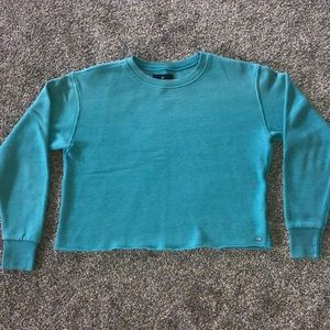 blue-green cropped crew neck